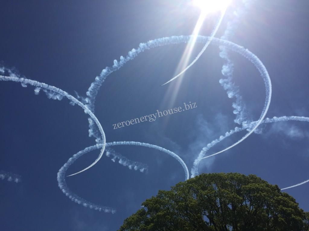 熊本城にブルーインパルス!4月23日日曜日熊本復興飛翔祭